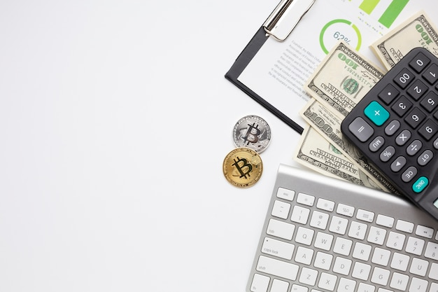 Financial items with copy-space Free Photo