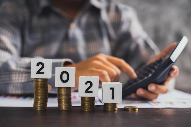 積み上げコインによる財務管理の概念 Premium写真