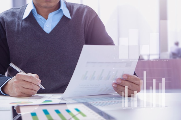 Financial statement in business performace analysis Premium Photo
