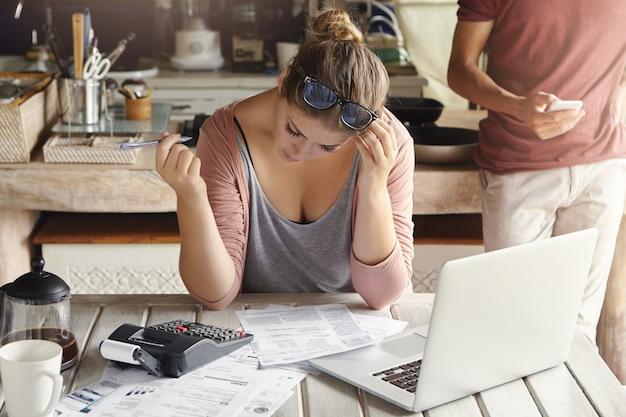 Problemi finanziari e crisi economica Foto Gratuite