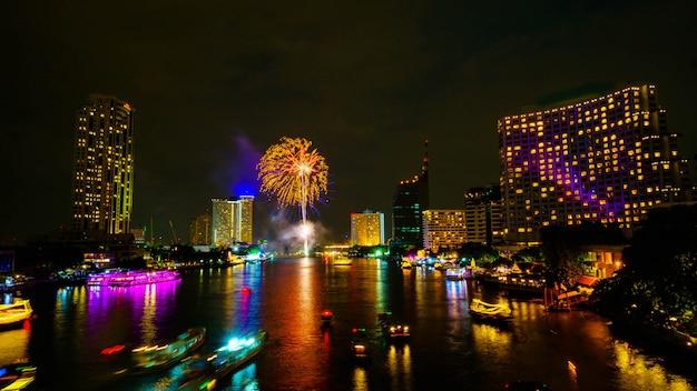 Firework on river, bangkok thailand Premium Photo