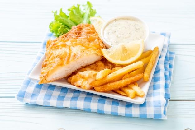 Fish and chips Premium Photo