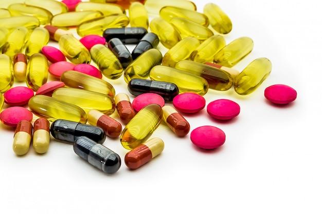 Fish oil, vitamins c and supplements capsules Premium Photo
