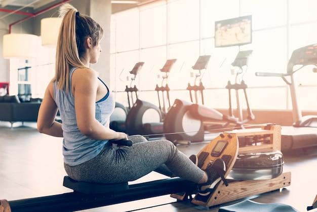 Fitness girl making exercise Free Photo