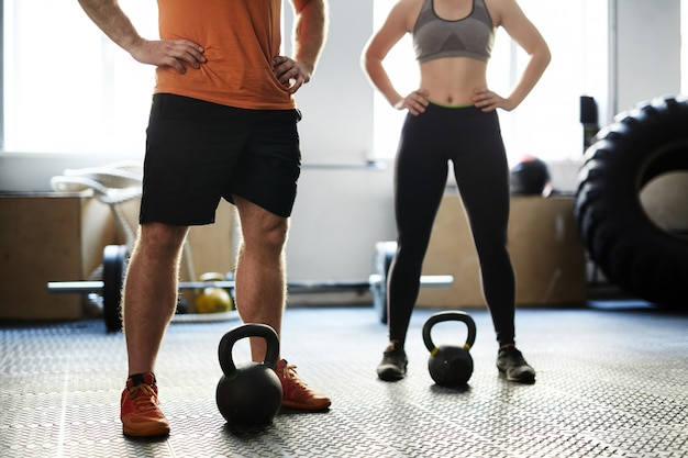 Fitness training with kettlebells Free Photo