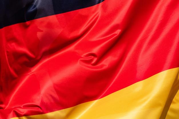 風になびいてドイツの旗 Premium写真