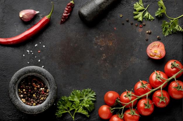 Плоская композиция из вкусных свежих овощей с копией пространства Бесплатные Фотографии