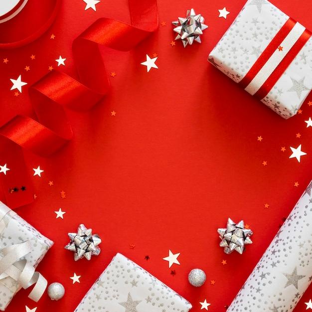 복사 공간 축제 포장 된 선물의 평면 위치 배열 프리미엄 사진