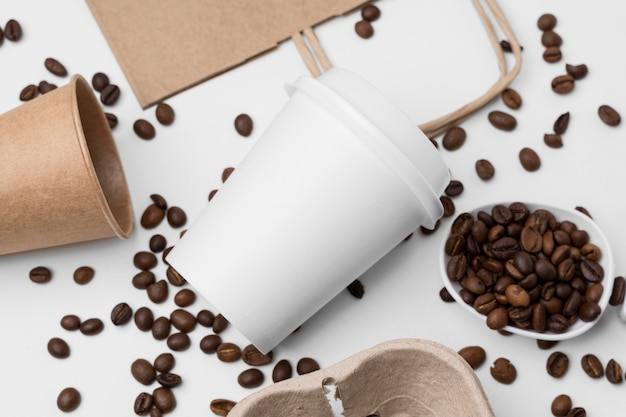 Flat lay arrangement with coffee beans Free Photo