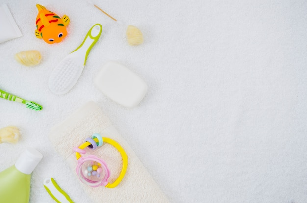 Flat lay bath accessories for baby Free Photo