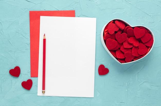 Lay piatto del bellissimo concetto di san valentino Foto Gratuite