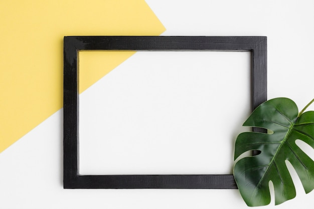 Flat lay of black frame with copy space Free Photo