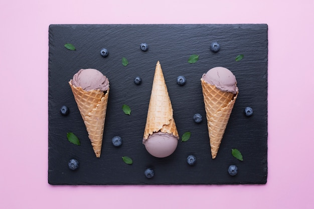 Flat lay of blueberries ice cream Free Photo