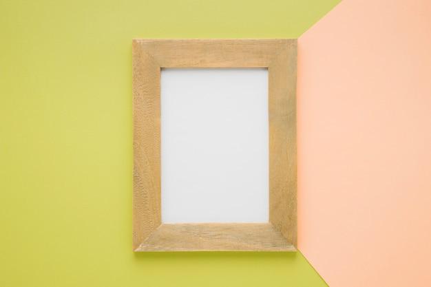 フラットレイ中央の木製フレーム 無料写真