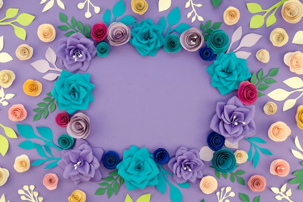 Flat lay circular floral frame with copy-space Free Photo