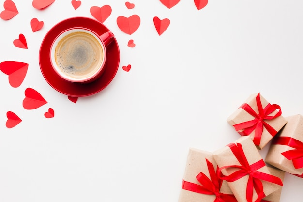 Flat lay of coffee and presents for valentines day Free Photo
