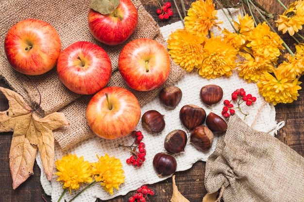 Flat lay colorful autumn composition Free Photo