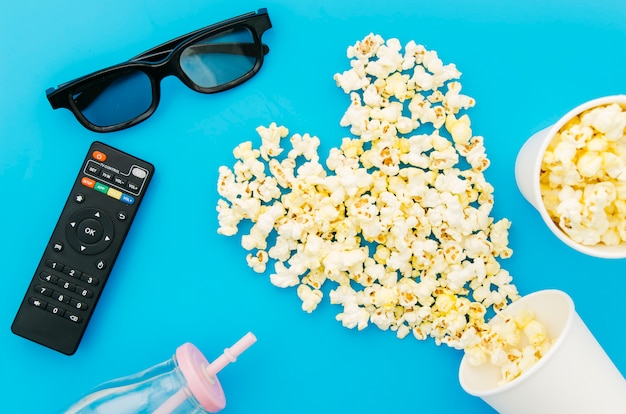 Flat lay composition of cinema elements Free Photo