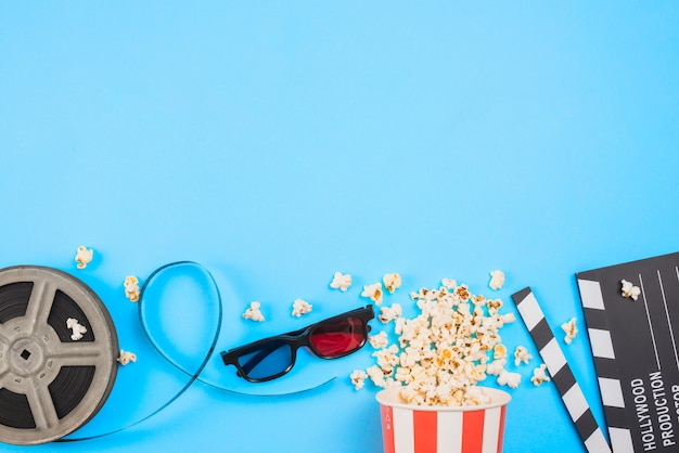 Flat lay composition of cinema objects Free Photo