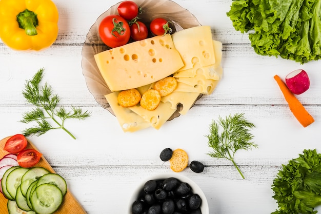 Flat lay composition of healthy vegetables Free Photo