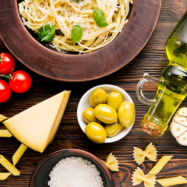 Flat lay composition of italian food Free Photo