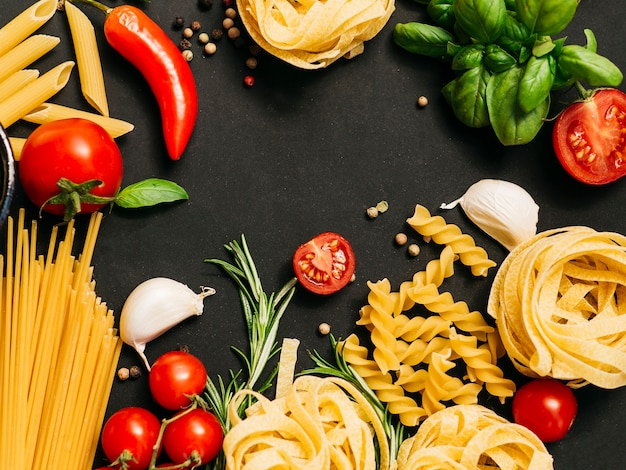 Flat lay composition of pasta Free Photo