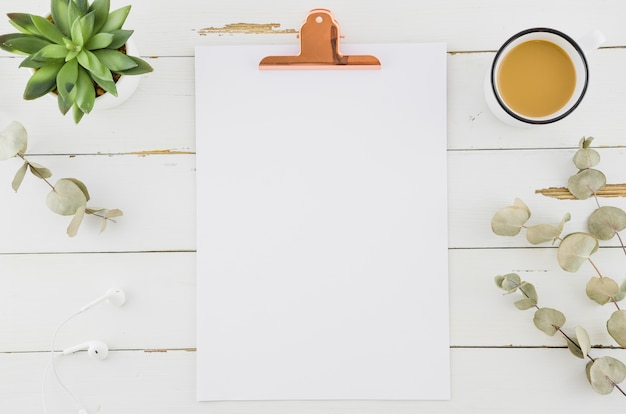 Flat lay concept of clipboard Free Photo