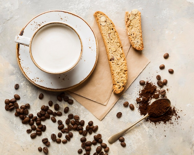 Disposizione del caffè creativa piatta Foto Gratuite