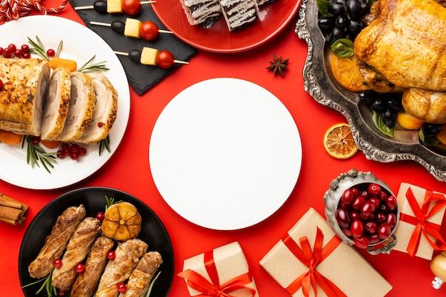 Disposizione del cibo di natale delizioso piatto laici Foto Gratuite