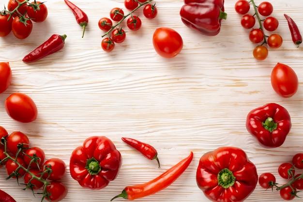 Плоская планировка вкусных красных овощей Бесплатные Фотографии
