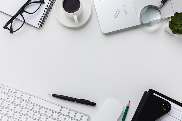 Flat lay of desktop essentials Free Photo