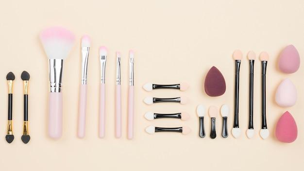 Composizione cosmetica distesa piatta Foto Gratuite