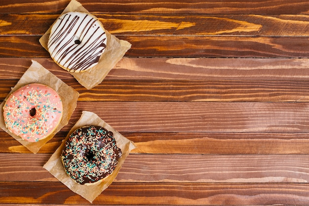 Flat lay donut composition with copyspace Free Photo