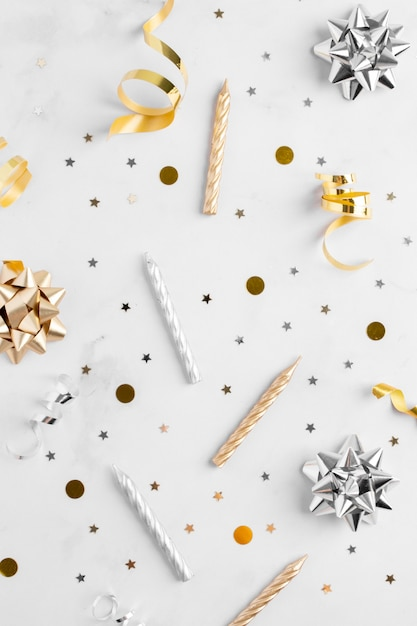 Flat lay of elegant birthday concept Premium Photo