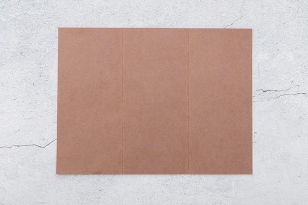 Плоский лежал сложенный розовый брошюра Бесплатные Фотографии