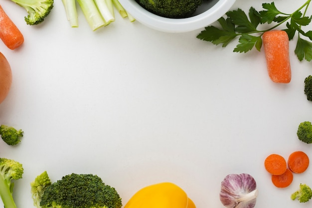 Flat lay frame of vegetables Free Photo