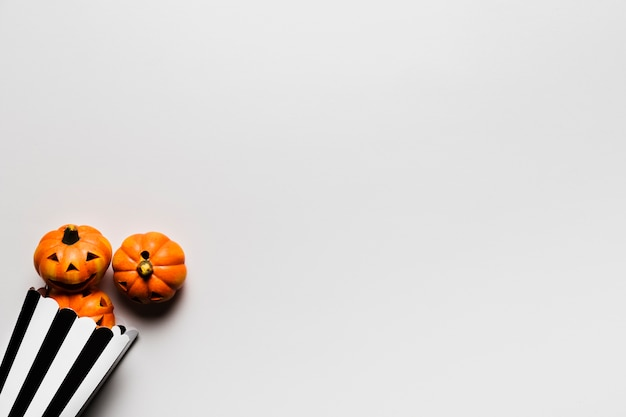 Flat lay frame with small pumpkins and copy-space Free Photo