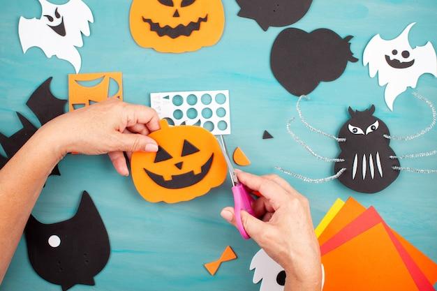 Flat lay of halloween decoration Premium Photo
