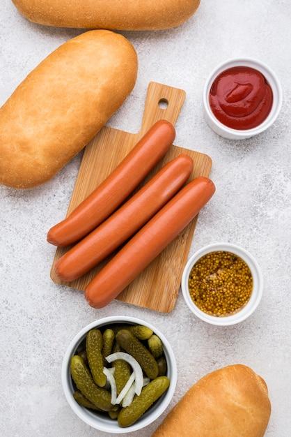 Композиция из ингредиентов для хот-догов Premium Фотографии