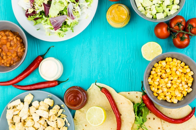 Flat lay mexican food composition Free Photo