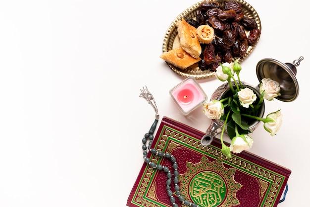フラットレイ新年イスラム装飾 Premium写真