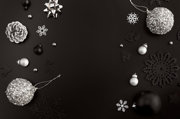 Плоская планировка рождественских украшений с копией пространства Бесплатные Фотографии