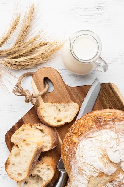 おいしいパンのコンセプトのフラットレイアウト 無料写真
