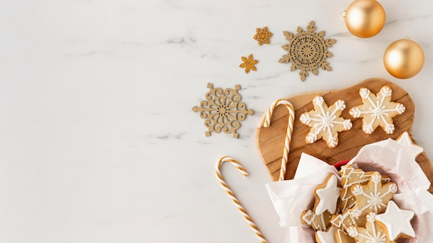 Плоская планировка вкусного печенья с копией пространства Бесплатные Фотографии