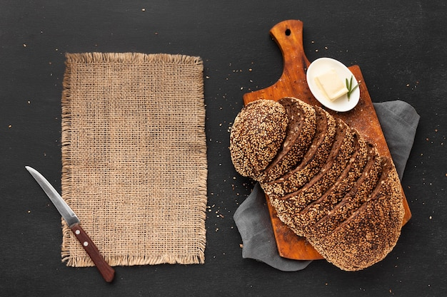 おいしい種パンのコンセプトのフラットレイアウト 無料写真