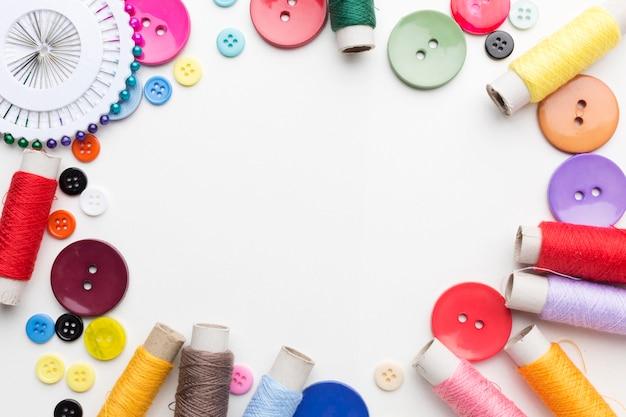 Плоская планировка рамки швейного набора с копией пространства Premium Фотографии