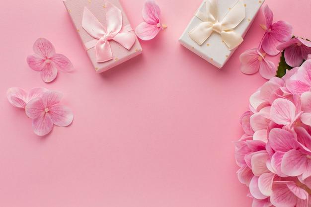 Плоская планировка дня святого валентина с копией пространства Бесплатные Фотографии