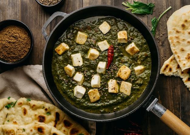 フラットレイパキスタン料理のアレンジメント 無料写真
