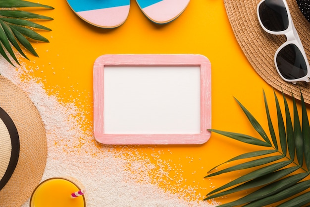 Flat lay picture frame with beach concept Free Photo