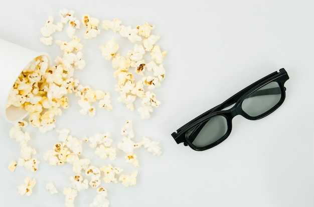Flat lay of popcorn and 3d glasses for cinema concept Photo